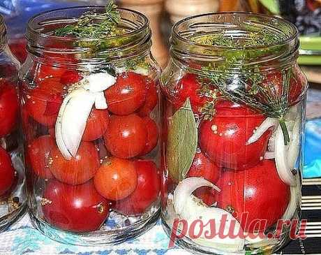 САХАРНЫЕ ПОМИДОРКИ  Боже ж ты мой!Как я люблю такие помидорки!Мечта! Наконец-то сбывшаяся.  Девочки, нашла в прошлом году рецепт. Закрыла 10 литровых банок, пожалела, что так мало сделала. Помидоры очень вкусные!!!  Ингредиенты и способ приготовления смотрите на нашем сайте https://quharka.ru/recipes/90424/saharnye-pomidorki.html?t=1100