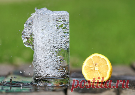 Advantage of a morning glass of hot water