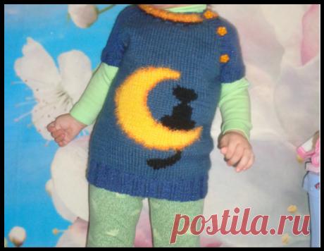 Детский пуловер с коротким рукавом и котиком в технике интарсия