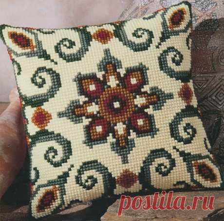 Вышивка болгарским крестом: техника выполнения, рекомендации для начинающих В Восточной Европе распространены различные виды рукоделия, но одним из самых красивых и старинных видов является вышивка болгарским крестом. Техника