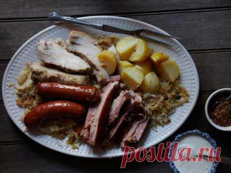 Шукрут (тушеная в пиве капуста с копченым мясным ассорти) - Гранд кулинар - рецепты с фото