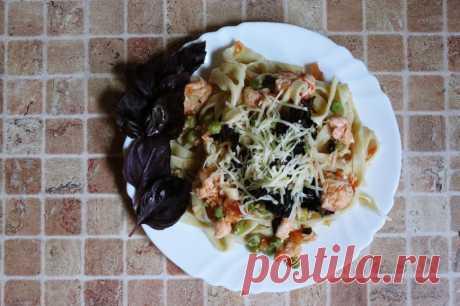 Феттуччине с семгой, свежим горошком и помидорами   Вкусные рецепты   Рецепты