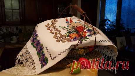 Красивая пасхальная салфетка вышитая бисером + схемы вышивки