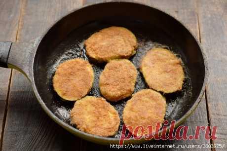 Отбивные из кабачков – обалденно вкусно, выходит сочнее и мягче, чем просто поджарить
