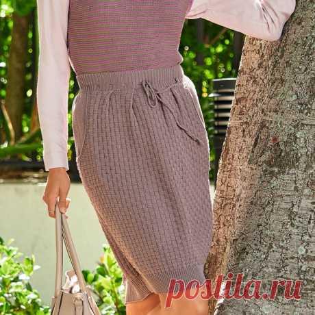 Симпатичная юбка-баллон рельефным узором и с боковыми карманами