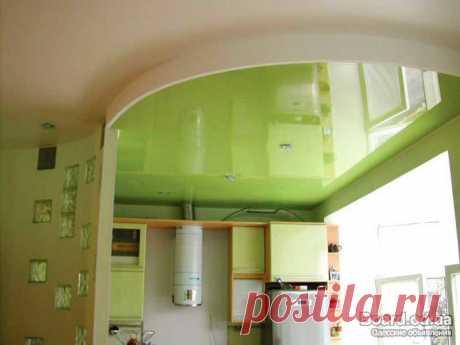 Установка натяжных потолков: подготовка, комплектующие, видеинструкция  Источник: vopros-remont.ru