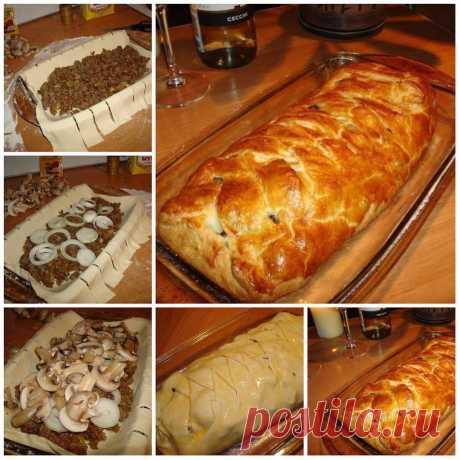 El pastel rápido de carne con las setas
