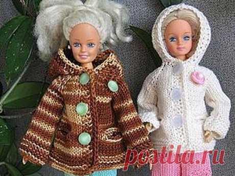 Мастер-класс смотреть онлайн: Вяжем курточку с капюшоном для Барби, тильдочек, текстильных и интерьерных кукол