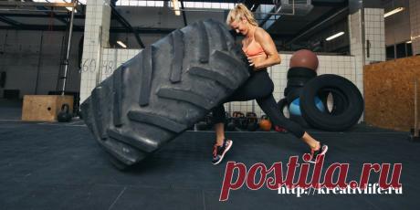 Как  тренировок кроссфит помогают женщине развить выносливость и похудеть