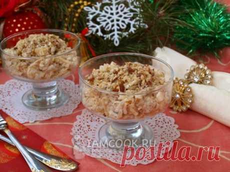 Салат «Дамский каприз» с курицей и ананасом — рецепт с фото