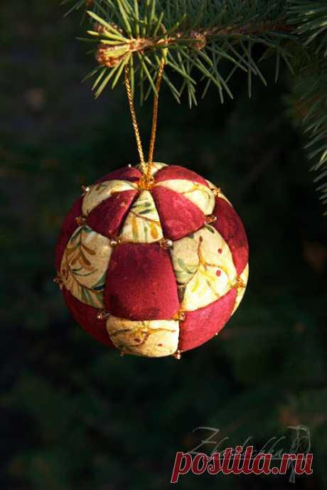 Sobre la pértiga: la Clase maestra. La bola de Año Nuevo de pedazos kimekomi \/ Kimekomi Christmas Ornament Tutorial