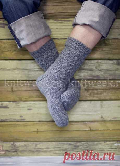 Мужские носки с теневым узором.