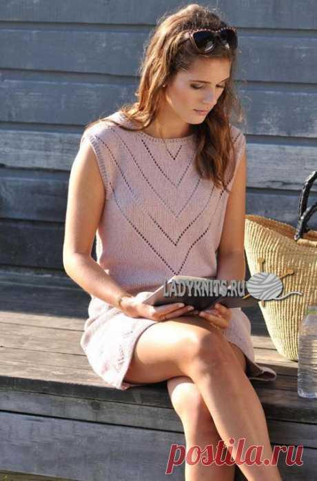 Вязаное спицами летнее ажурное платье