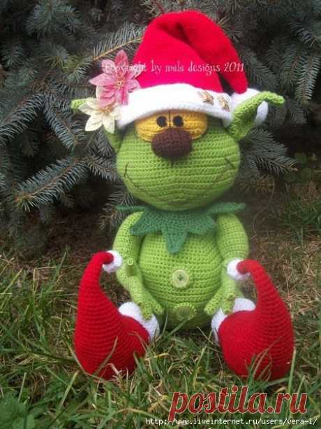 GRINCh from mala-designs. The translation of the description from the Country of Mothers