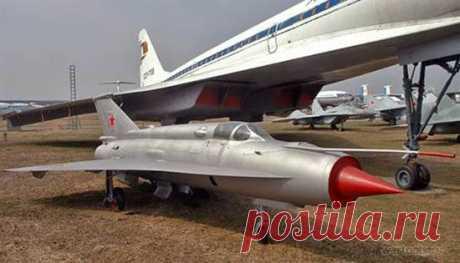 Самолет МиГ-21 истребитель— фото, характеристики
