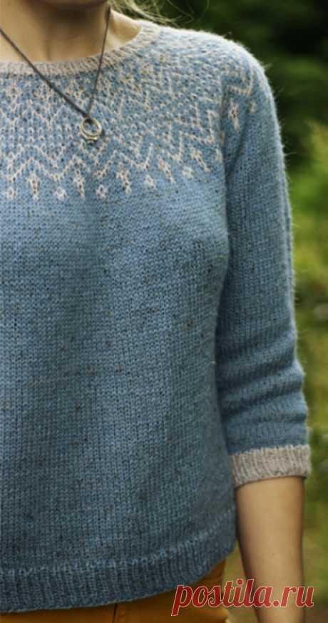 Женский голубой пуловер с круглой кокеткой. Jay Sweater by Rachel Brockman.