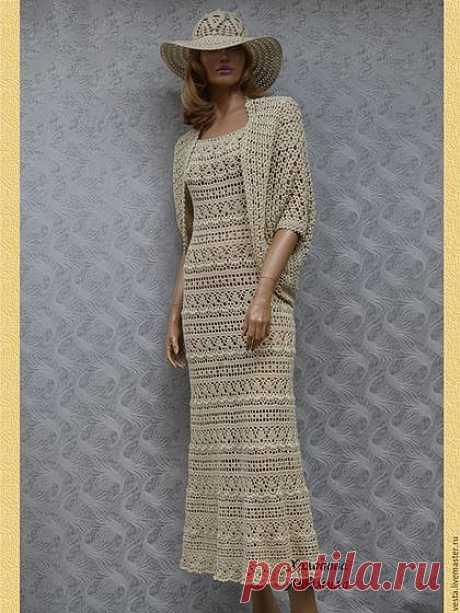 """El vestido hermoso con el nombre romántico \""""la Leyenda\"""".\u000aEl autor - Holodova Liudmila Evguénievna."""