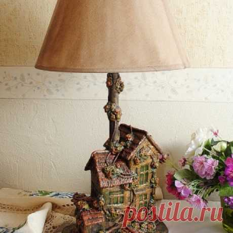 Прекрасная лампа из бросового материала