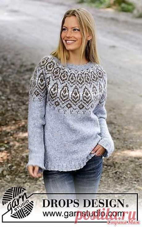 """Джемпер """"ЗИМНЕЕ СЕРДЦЕ"""". Спицы. Теплый женский свитер, связанный на спицах 5.5 мм из шерстяной пряжи. Вязание модели начинается от воротника по кругу, кокетка имеет круглую форму с равномерными прибавлениями и жаккардовым узором."""