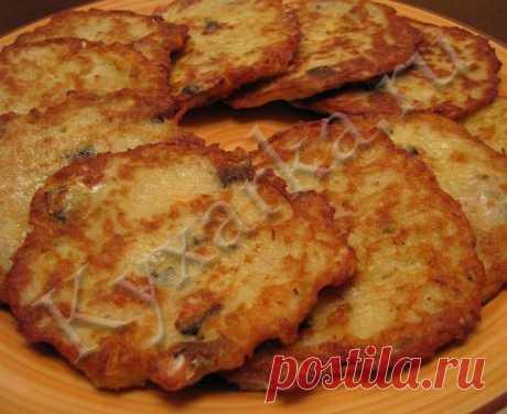 Картофельные оладьи с рыбой.