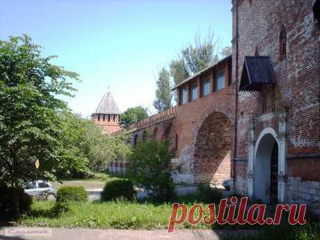 Никольские ворота Смоленской крепостной стены.  ---   Fortress Wall In Smolensk  Free Stock Photo HD - Public Domain Pictures