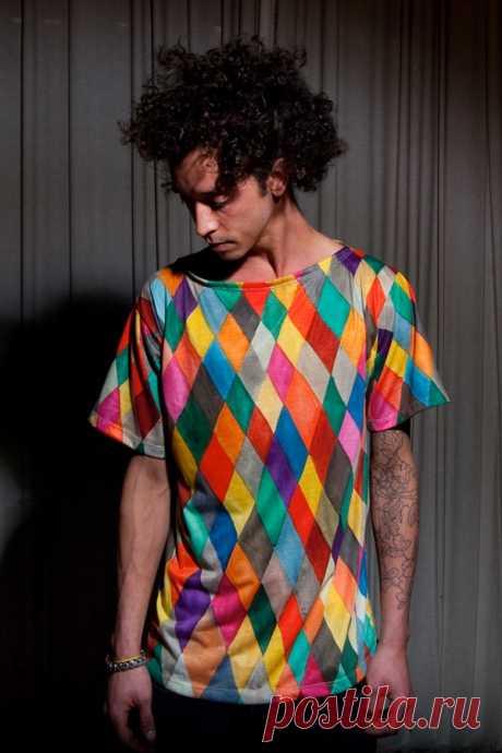 Две разрисованные футболки / Рисунки и надписи / Модный сайт о стильной переделке одежды и интерьера