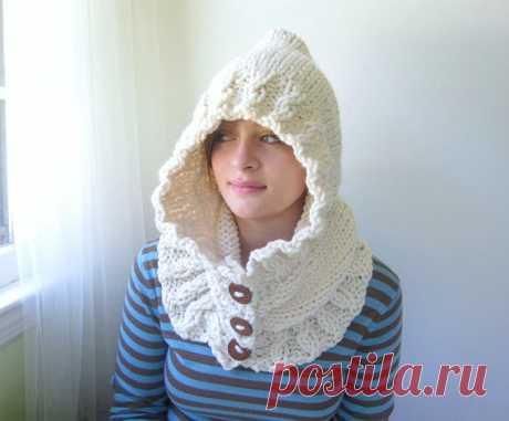 Cream Hoodie. Chunky Handknit. Hooded Scarf. Cozy. от KerreraSkye