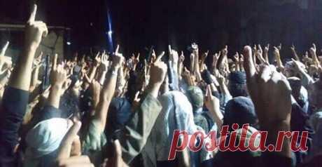 Что означает поднятый вверх указательный палец у мусульман | Русская Семёрка | Яндекс Дзен