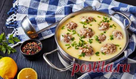 Греческий суп с фрикадельками и яйцами