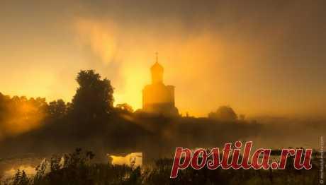 Церковь Покрова на Нерли. Автор фото — Михаил Шмелёв: nat-geo.ru/photo/user/17960/