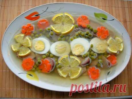 Традиционная новогодняя закуска – заливное из языка — Кулинарная книга