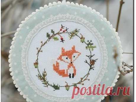 Мастер-класс смотреть онлайн: Пошаговый МК: новогодняя игрушка - медальон с лисичкой