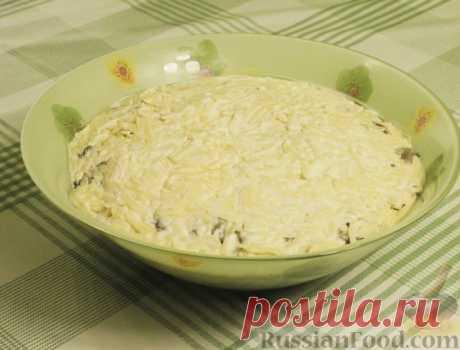 Рецепт: Салат с куриной грудкой, зеленой фасолью, сыром и грибами на RussianFood.com