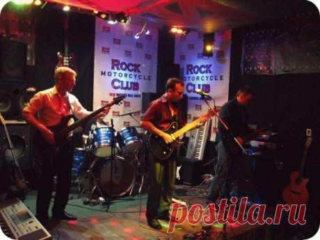 Концерт в рок-клубе