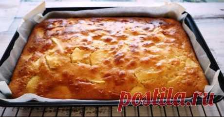 Яблочный пирог за 20 минут! Простой и вкусный Очень простой и вкусный яблочный пирог