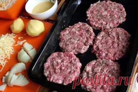 Стожки - блюдо из мясного фарша   •источник Домашняя Кулинария •           Стожки - блюдо из мясного фаршаИнгредиенты:фарш мясной - 0,5 кг;яйца крутые - 3 штуки;лук репчатый - 2 головки;картофель - 2 штуки;сыр - 100 г;молотые перцы …