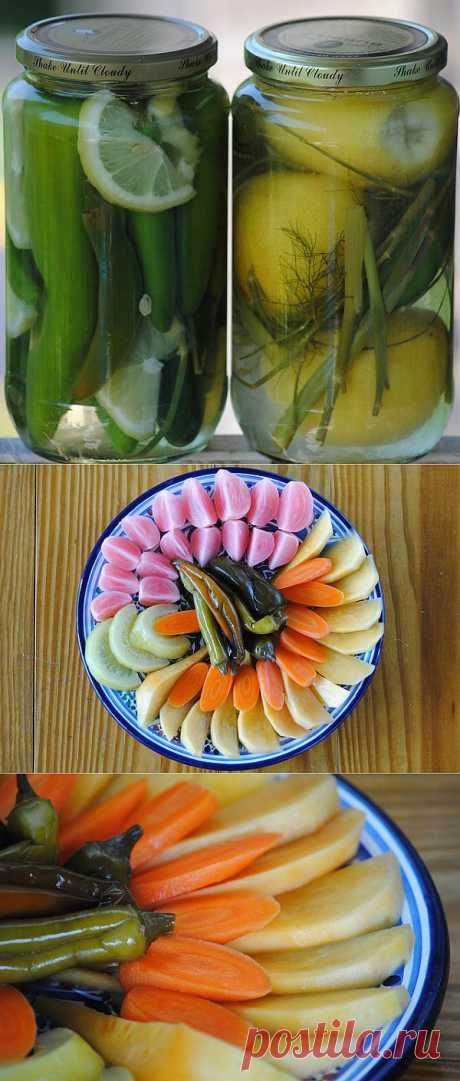 ¡Los ajíes enteramente + fenhel o el hinojo + algunas rodajas del limón!