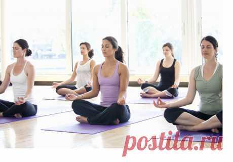 Как стать инструктором по йоге?  Учитель йоги раньше и сейчас Если йога занимает важное место в жизни человека, он длительное время практикует занятия, может появиться идея самому стать инструктором. Йога – очень древнее учение. В те далекие времена знания передавались от учителя к ученику, были достаточно закрыты и являлись уделом избранных.