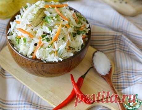 Салат из капусты с горячей заливкой – кулинарный рецепт