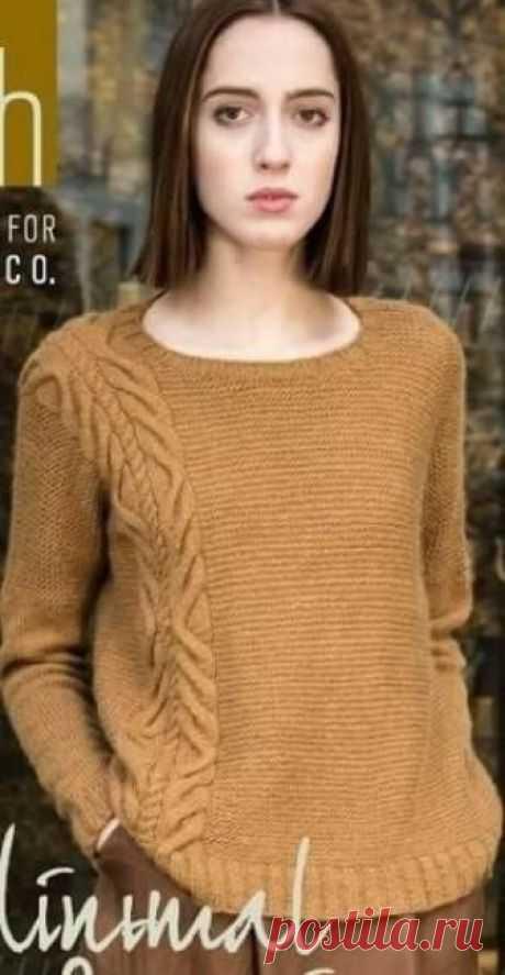 Модный пуловер сезона 2018 года (Вязание спицами) Модный пуловер сезона 2018 года связан спицами из пряжи приятного горчичного цвета. Отличительной чертой этого пуловера от других является расположение узора.