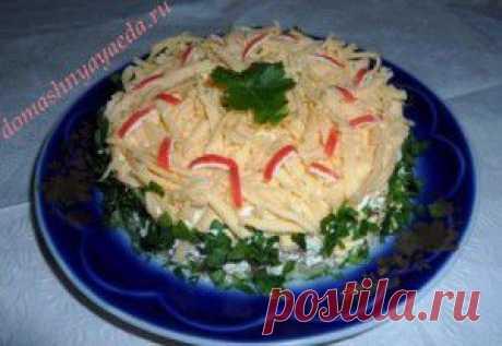 Салат из огурцов, яиц и крабовых палочек