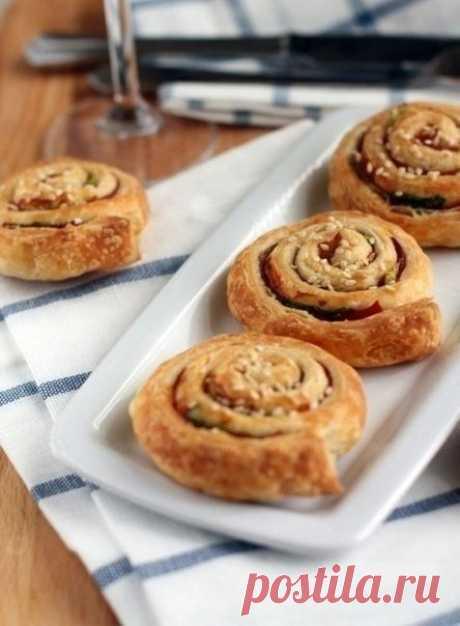 Как приготовить слоеные булочки с ветчиной - рецепт, ингридиенты и фотографии