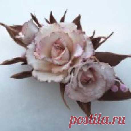 Нежнейшие розы из фоамирана v Цветы из фомирана-это неповторимые мгновения лета, которыми можно наслаждаться даже тогда, когда за окном лежит снег и трещать морозы  При нагревании фоамирану можно придать необходимую форму. После остывания […]
