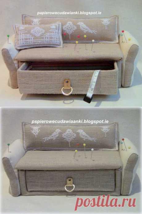 Игольница-шкатулка в форме ДИВАНЧИКА из коробки. Фото идея.