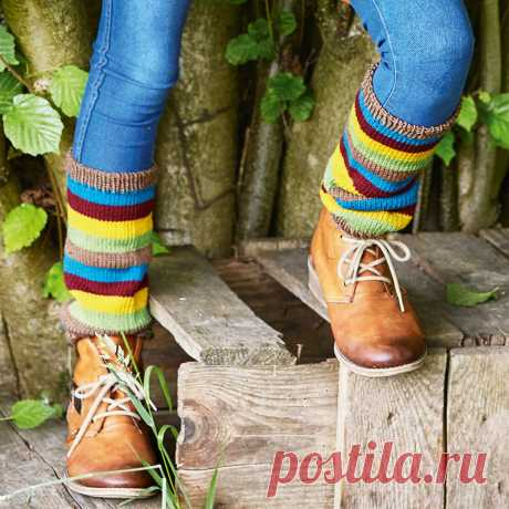 Striped gaiters for the girl - the scheme of knitting by spokes