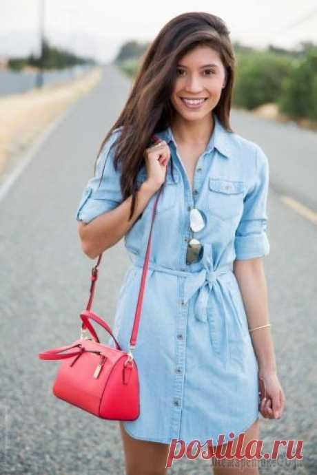 70 стильных идей с джинсовым платьем: ТОП лучших фасонов сезона Что может быть удобнее нарядов из денима?Это уникальный повседневный материал, который выручает миллионы модниц, желающих выглядеть одновременно стильно и комфортно.Популярность джинсовой одежды ник...