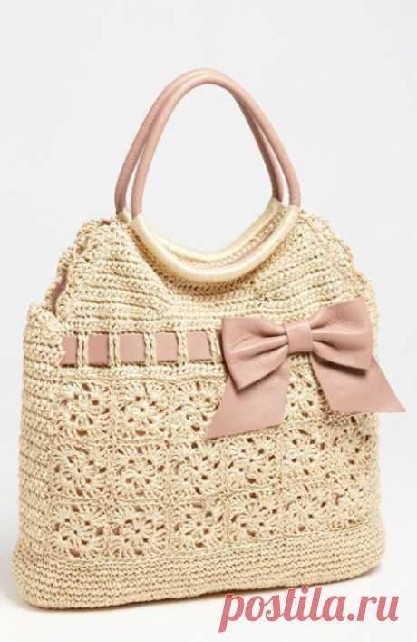 El bolso de estilo tejido
