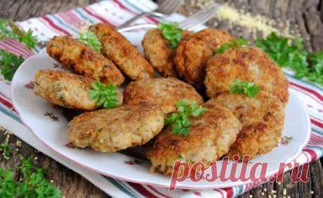 Котлеты из свиного фарша с пшеном.  Для разнообразия ваших блюд попробуйте приготовить ароматные котлетки из свиного фарша с добавлением вареного пшена.