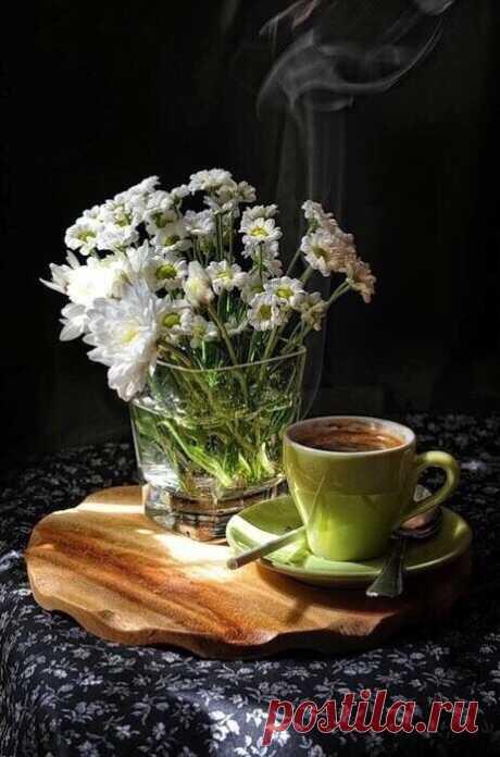Кофе – любимый напиток цивилизованного мира.          Томас Джефферсон.                                             Международный день кофе – это повод уделить несколько минут любимому напитку, раствориться в его аромате и насыщенном вкусе.