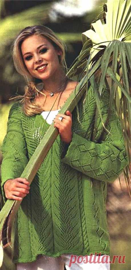 Зеленый пуловер
